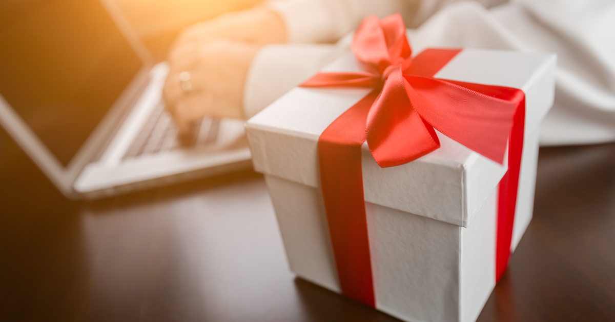 5 practical money gifts to give this holiday season jmb financial with christmas approaching in just a matter of weeks you might find yourself wondering what to get your loved ones this holiday season solutioingenieria Image collections
